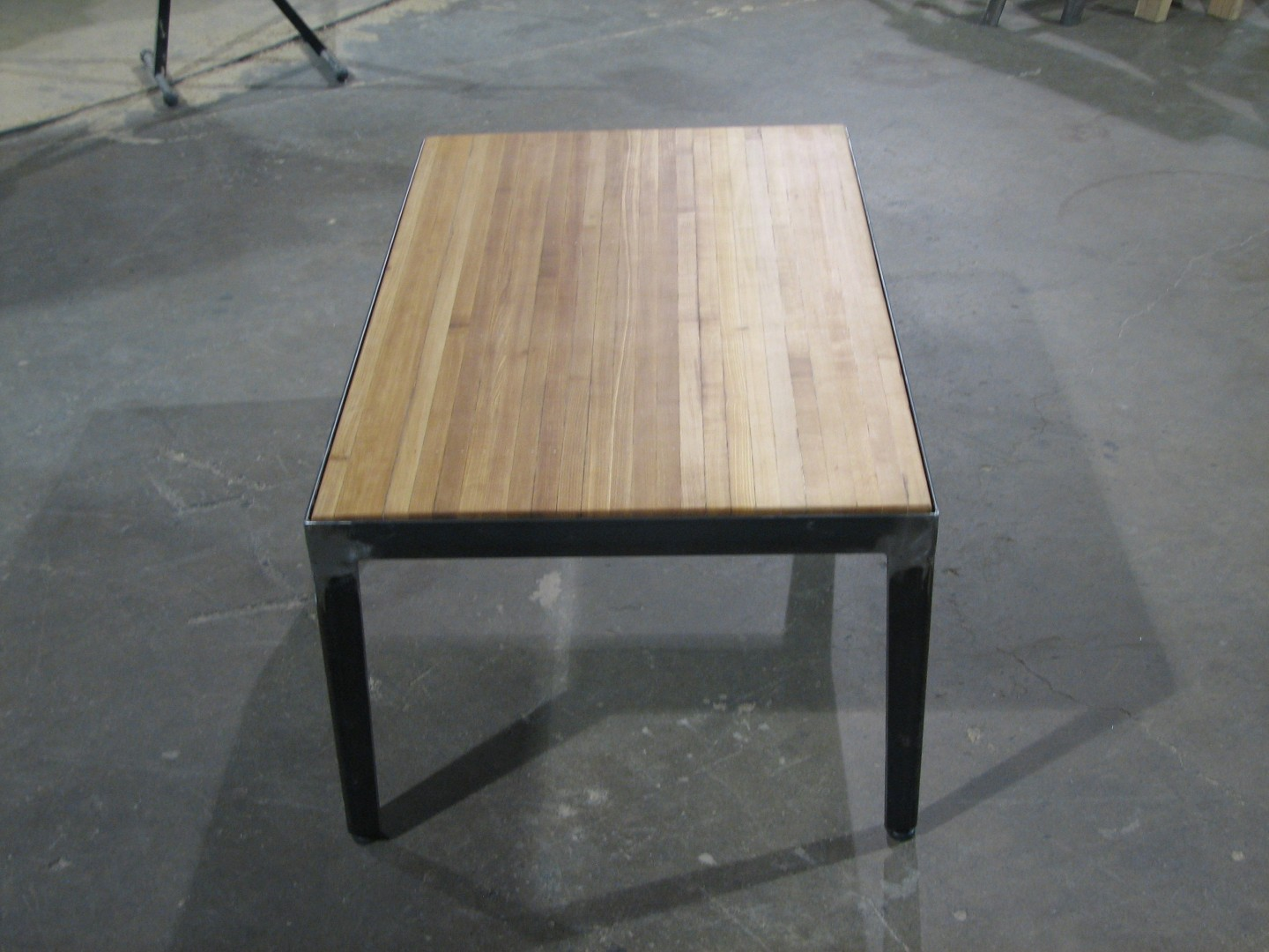 Bowling alley coffee table buro series for Buro fourniture